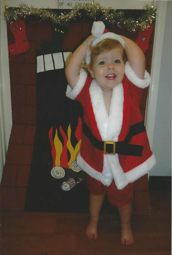 Photo of My child is scared of Santa - Christmas photo alternative to the traditional Santa Photo